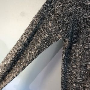 Hollister Sweaters - HOLLISTER Grey & White Long Sleeve Sweater M/L